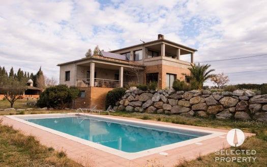 casa1-pool-eulalia