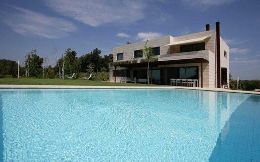 Property-Girona-Luxusvilla-schwimmbad